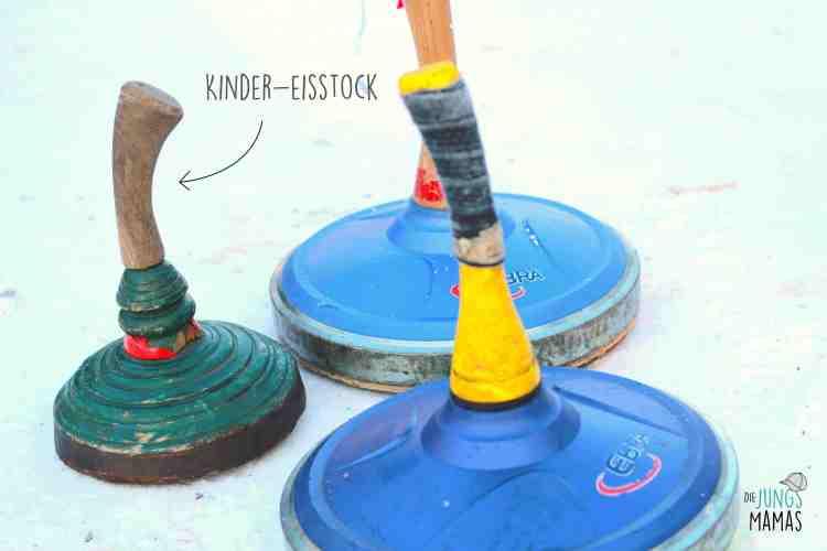 """Kinder-Eisstock - wiegt nur einen Bruchteil von einem """"normalen"""" Eisstock"""