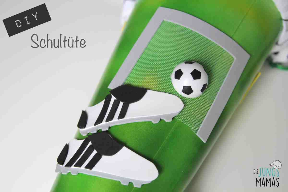 Coole Fußball-Schultüte selber basteln