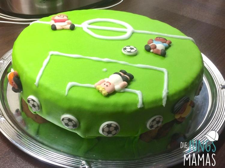 Fußball-Kuchen_Die JUngsMamas