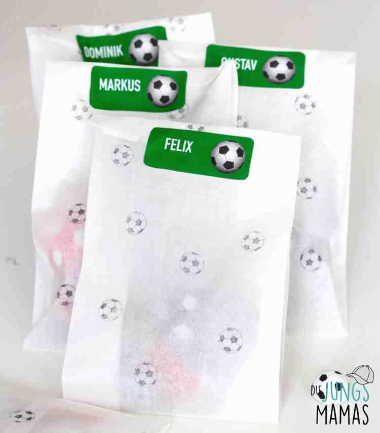 Mitgebsel-Tüte für die Fußball-Party_Die JungsMamas