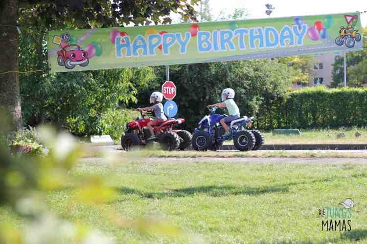 Geburtstag feiern bei Kiddie Car _ Die JungsMamas