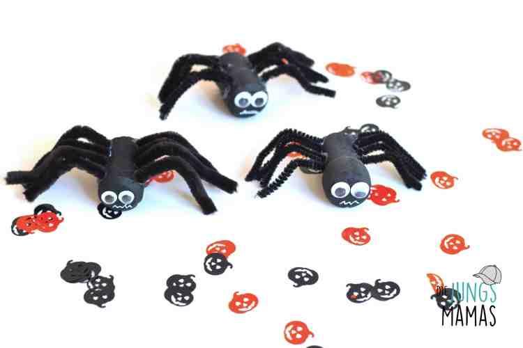 Schaurig-schöne haarige Spinnen zu Halloween basteln_Die JungsMamas