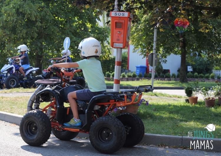 Verkehrstraining für Kinder bei KiddiCar_Die JungsMamas
